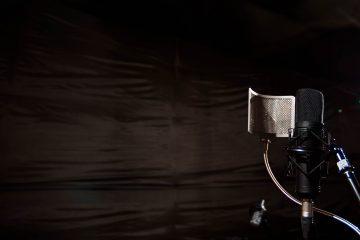 estudio microphone